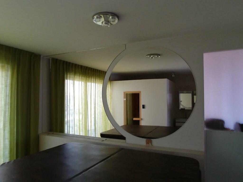 Składanka z lustrem okrągłym (2)