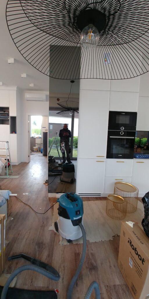 Lustro grafitowe w kuchni