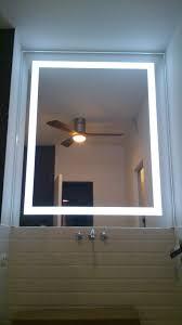lustro z podświetleniem